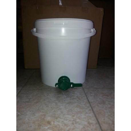 20 l-es vödör műanyag letöltőcsappal!